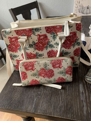 Purse and wallet for Sale in Clovis, CA