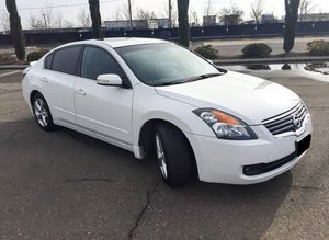2007 Nissan Altima leather chair for Sale in Wichita, KS