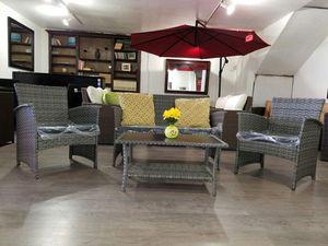 4 piece outdoor wicker patio furniture set! Grey & black for Sale in San Diego, CA