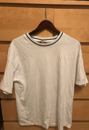 Burberry t shirt for Sale in San Mateo, CA