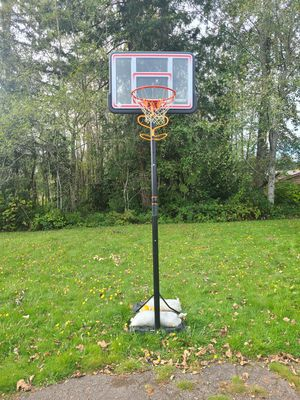 $60 Basketball hoop for Sale in Bremerton, WA
