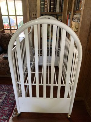 Baby Crib and Changing Table! for Sale in Fairfax, VA