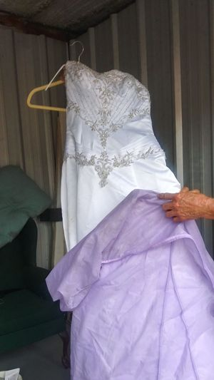Wedding dress and veil for Sale in Bartow, FL