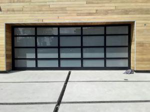 Puertas de garage . Doors Garage for Sale in Long Beach, CA