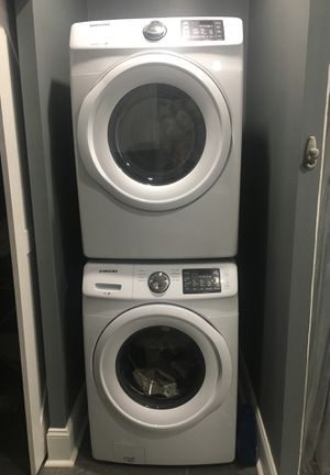 **Like New** Samsung High Efficiency Front Loading Washer and Dryer for Sale in Columbus, OH