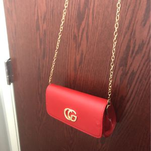 red crossbody purse for Sale in Hammond, IN
