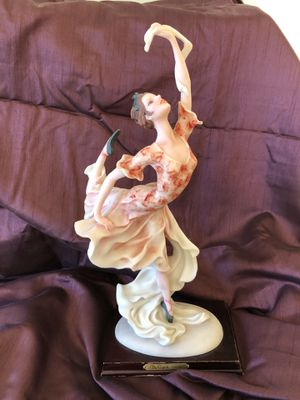 The ballet statue by The Capoli collection for Sale in Dallas, TX