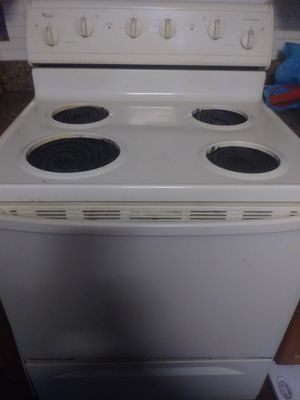 Whirlpool electric stove for Sale in Lorain, OH