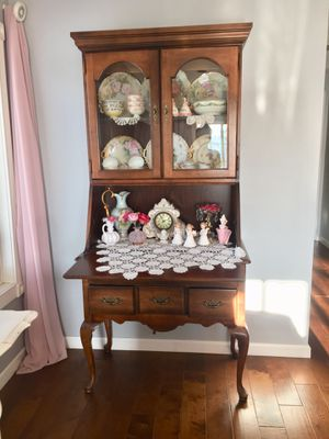 Antique Cabinet for Sale in ROWLAND HGHTS, CA