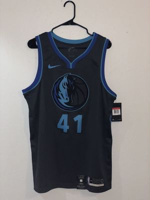 Size Large Men's Nike Dallas Mavericks Dirk Nowitzki #41 jersey for Sale in Lewisville, TX