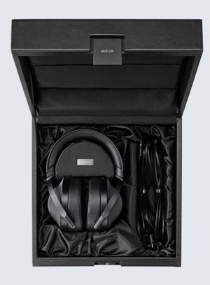 SONY Premium headphones MDR- Z1R for Sale in Bartow, FL