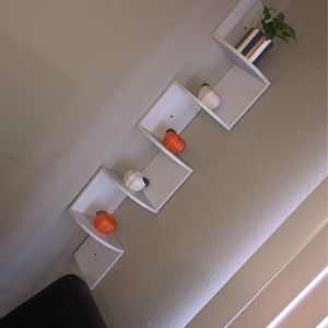 Corner Wall Shelves for Sale in Parkland, WA