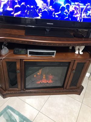 TV Stand with built-in Fireplace for Sale in Orlando, FL