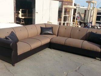 NEW 9X9FT CLYDE MOCHA FABRIC COMBO SECTIONAL COUCHES for Sale in Long Beach,  CA