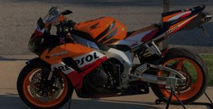 🔑💲5OO URGENT I sell my motorcycle 🔑2007 Honda CBR 1000RR Repsol edition Motor is smooth and is very stout!.🔑🔑🔑 for Sale in Atlanta, GA
