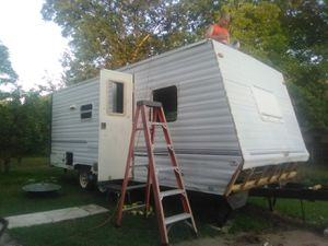 1999 Dutchmen Camper (new framing) for Sale in Wolfe City, TX