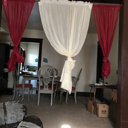 Dining Room Table for Sale in Cleveland,  OH