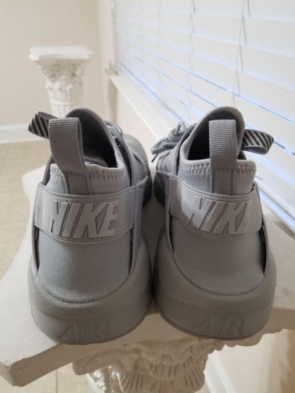 Nike tanjuns/huaraches men's sz11