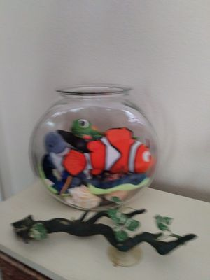 Fish Bowl Full of Ty Beanie Fish for Sale in Dallas, TX