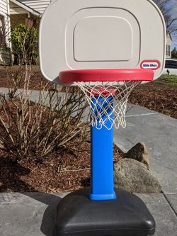 Little Tikes Basketball Hoop for Sale in West Linn,  OR