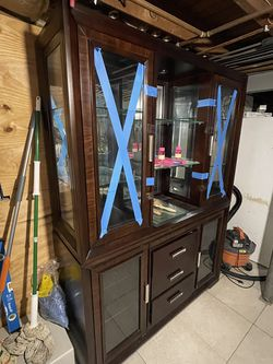 Really Beautiful China Cabinet for Sale in East Meadow,  NY