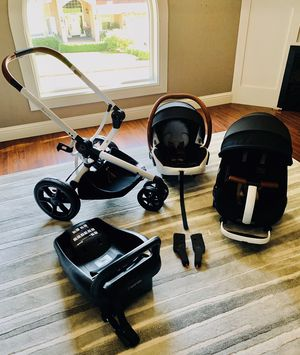 Racheal Zoe Quinny & Maxi Cosi car seat, stroller, base , adapter for Sale in Camas, WA