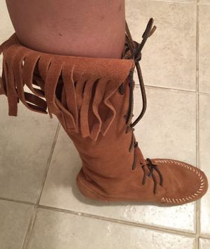 N.Y.L.A brand new brown fringed suede leather shoes size 6 for Sale in Sunnyvale, CA