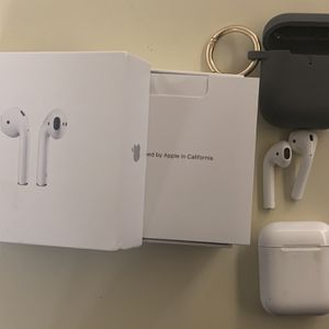 Apple AirPods 2nd Gen for Sale in Pompano Beach, FL