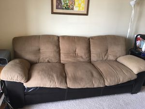 Free Couch for Sale in Stafford, TX