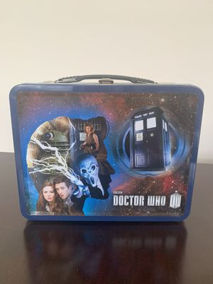 Doctor Who 1st and 11th Doctor Figures in Tin Tote - 50th anniversary Lunch Box for Sale in Bellingham, MA