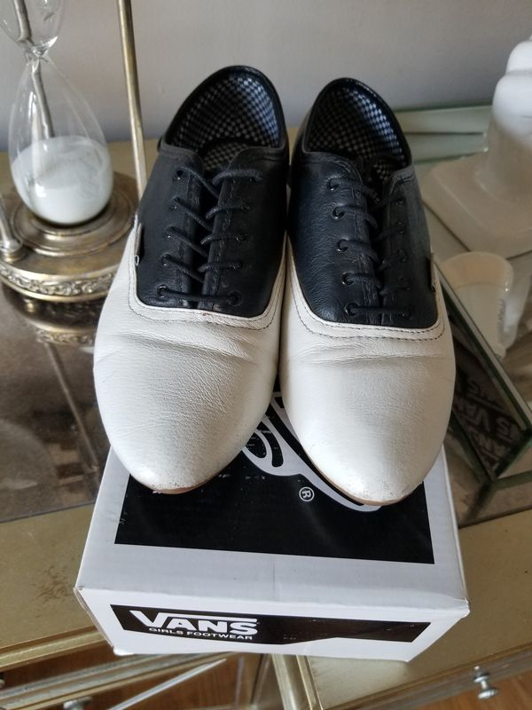 06e5acdbdb VANS Sophie Oxford shoes Size 8 for Sale in San Diego