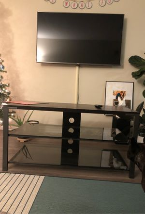 TV Stand w shelves for Sale in San Francisco, CA