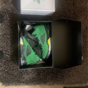 Jordan 5 - Apple Green- Retro-9.5 for Sale in Chamblee, GA