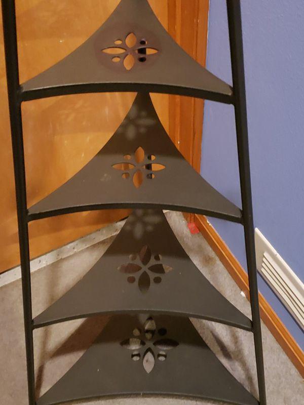 Longaberger wrought iron 4 tier bowl shelf