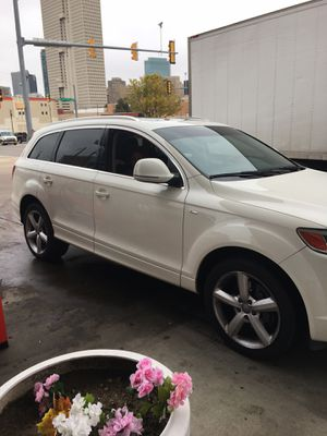 Audi Q7 3 roll seater 110,000 miles runs very good deasle gas I'm the 2nd owner non smoker and first owner was a non smoker owned it for 9 years! I for Sale in Fort Worth, TX