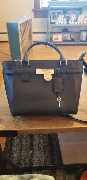 Michael Kors purse for Sale in Green Lake, WI