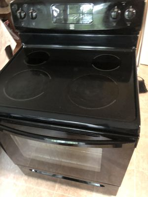 Kenmore microwave and stove for Sale in Knightdale, NC
