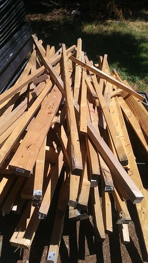 Free Wood for Sale in Bloomington, CA