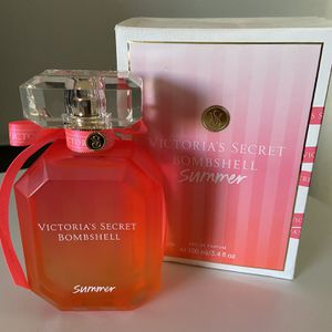 Victoria Secret Bombshell Perfume for Sale in Perris, CA