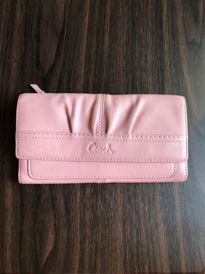 Pink Coach wallet for Sale in Lakewood, WA