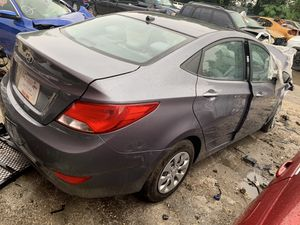 Hyundai Accent 2013 FOR PARTS! for Sale in Gibsonton, FL
