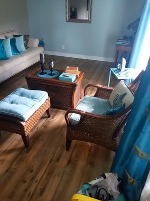 Chair and ottomon table for Sale in Riviera Beach, FL