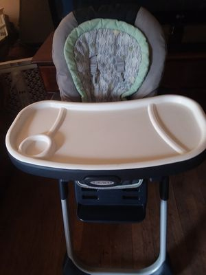Graco highchair/booster seat for Sale in Newport News, VA