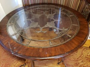 Dining room table with 4 chairs for Sale in Arlington, WA