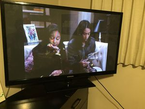 Samsung 50 inch tv with remote for Sale in Denver, CO