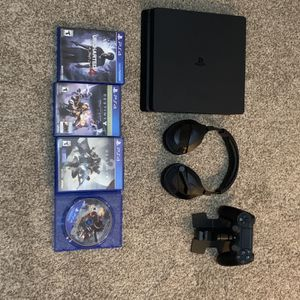 PS4 Bundle With 4 Games for Sale in Houston, TX