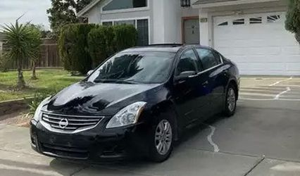 2010 Nissan Altima for Sale in Detroit,  MI