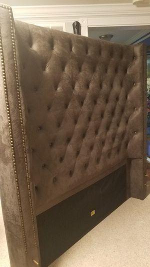 Cabezera y marco tapizado for Sale in Manassas, VA