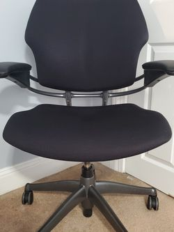 Humanscale Freedom Chair for Sale in Quincy,  MA