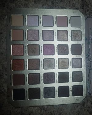 Too faced eyeshadow palette for Sale in Cumberland, VA